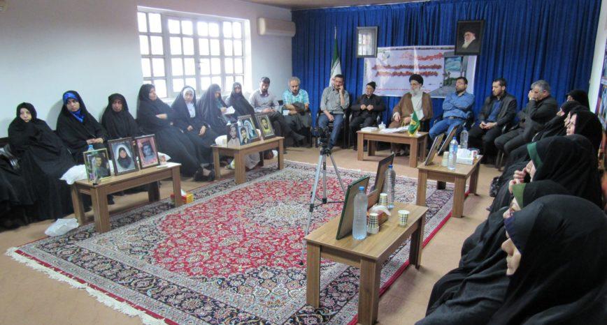 گزارش تصویری/دیدار خانواده شهدای جاویدالاثر با امام جمعه انزلی