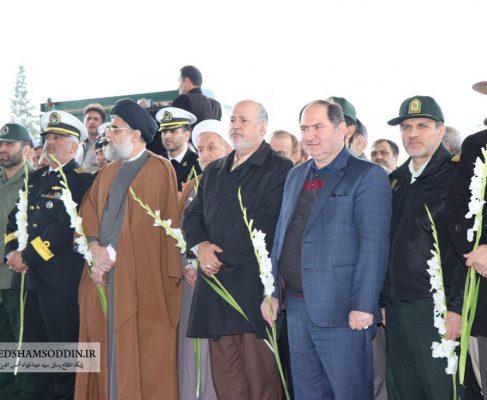 گزارش تصویری از گلباران مزار شهدا