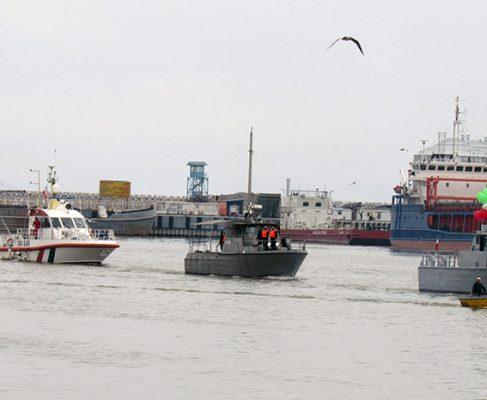 گزارش تصویری از رزمایش امداد نجات و رژه شناورهای دریایی دریابانی