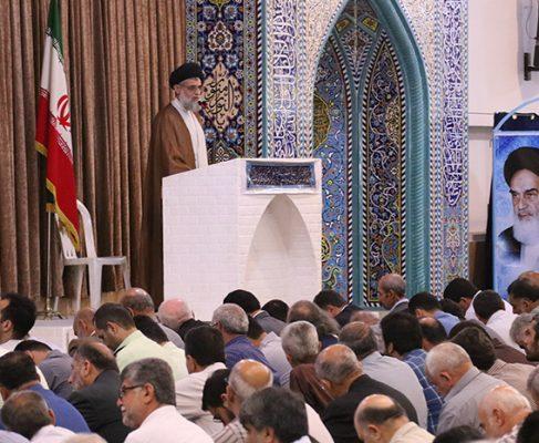 گزارش تصویری از اولین نماز جمعه انزلی در ماه رمضان