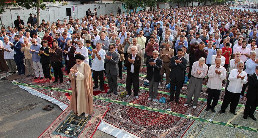 گزارش تصویری نماز باشکوه عید سعید فطر در بندرانزلی(۱)