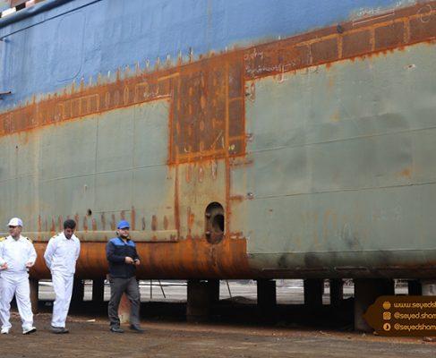 گزارش تصویری بازدید امام جمعه بندر انزلی از کارخانه کشتی سازی ۷ آذر/