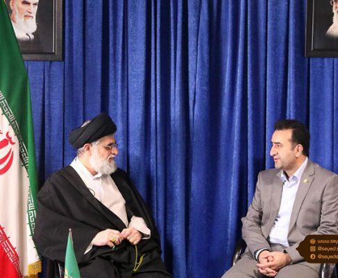 مدیرکل بنادر و دریانوردی گیلان با امام جمعه بندر انزلی دیدار کرد+ تصاویر//