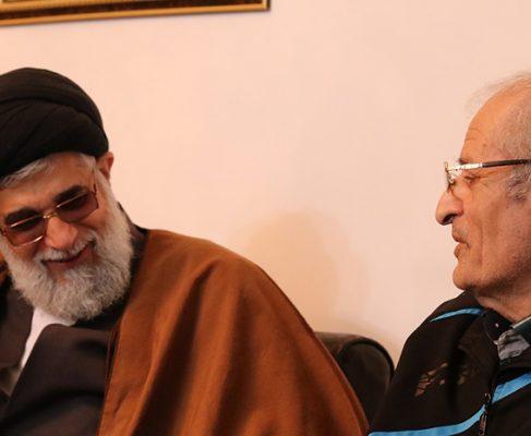 امام جمعه بندر انزلی با جمعی از پدران شهدا دیدار کردند+ تصاویر//