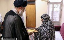 دیدار امام جمعه بندرانزلی با خانواده های شهدا