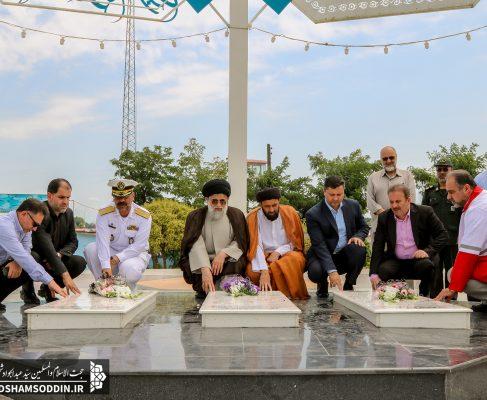 گلباران مزار شهدای گمنام به مناسبت چهلمین سالگرد اقامه نماز جمعه