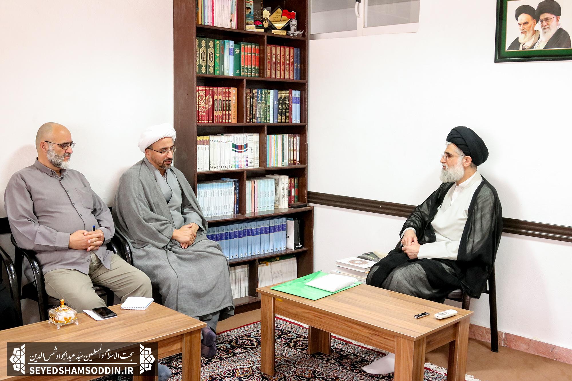دیدار مسئول دبیرخانه کانون های فرهنگی و هنری مساجد گیلان با امام جمعه بندرانزلی