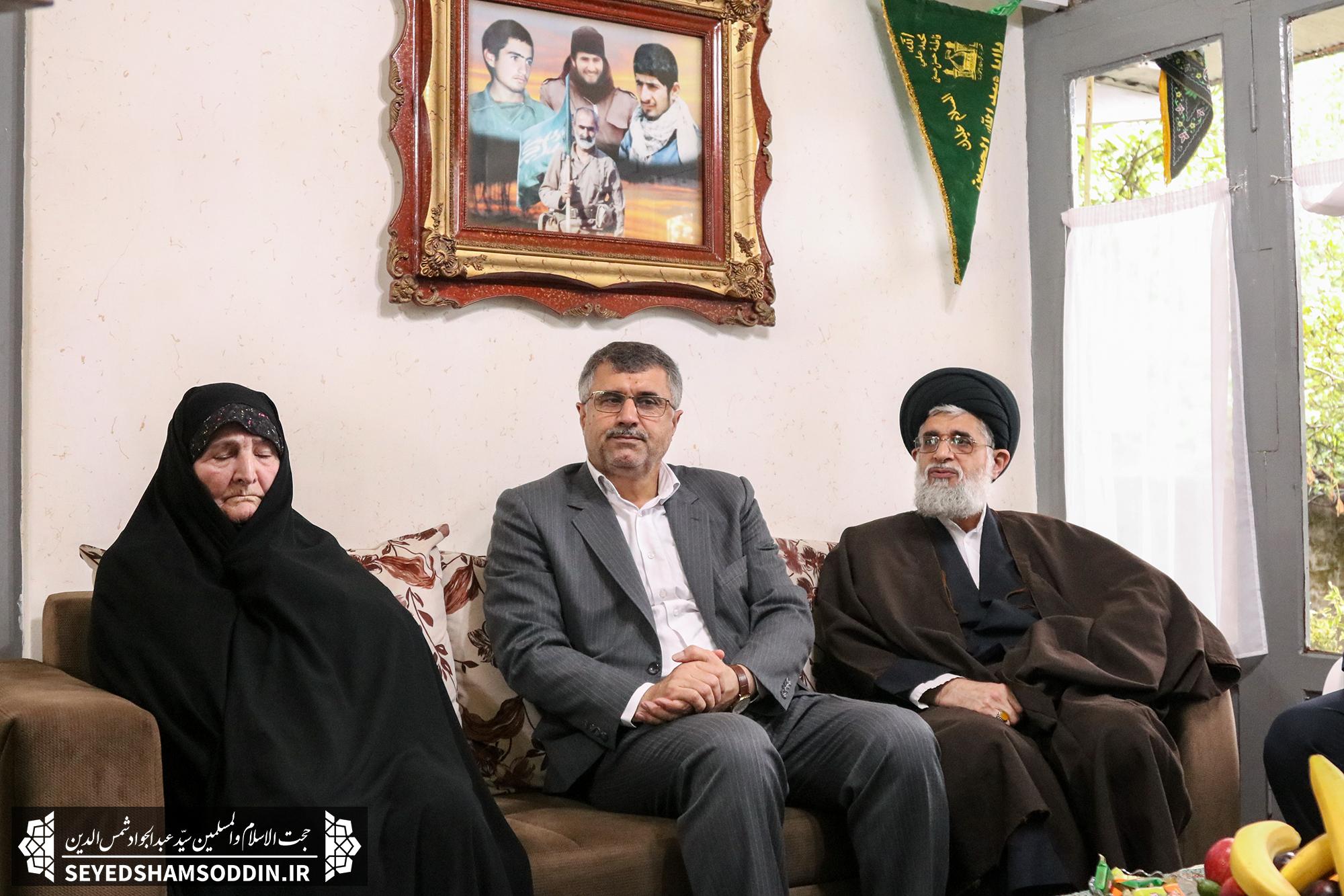 دیدار امام جمعه بندرانزلی با خانواده شهیدان کریم بخش