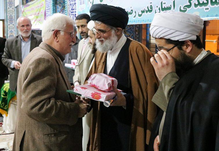 سخنرانی امام جمعه بندرانزلی در مراسم جشن انقلاب و آئین تجلیل تعدادی از یاران انقلاب