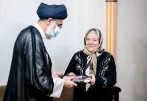 دیدار امام جمعه بندرانزلی با خانواده شهید غلامحسن نجفی