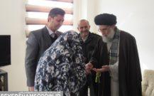 گزارش تصویری / دیدار و دلجویی مسئولان از خانواده شهدای انقلاب انزلی